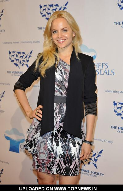 "Mena Suvari at  ""Chefs for Seals"" Hosted by the Humane Society of the United States - Arrivals"