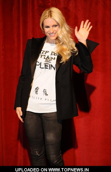 "Michelle Hunziker at ""Mi Scappa Da Ridere"" Photocall at Teatro Sistina in Rome"