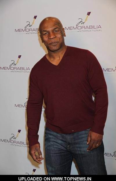 Mike tyson meet greet appearance at memorabilia international in mike tyson meet greet appearance at memorabilia international in las vegas m4hsunfo