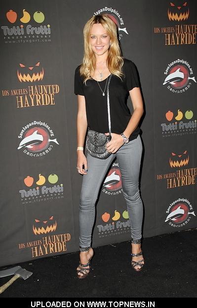 Natasha Alam at 2nd Annual Los Angeles Haunted Hayride Premiere Night - Black Carpet Arrivals