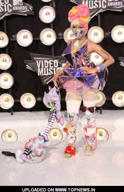 Nicki Minaj at 2011 MTV Video Music Awards Red Carpet Fashion