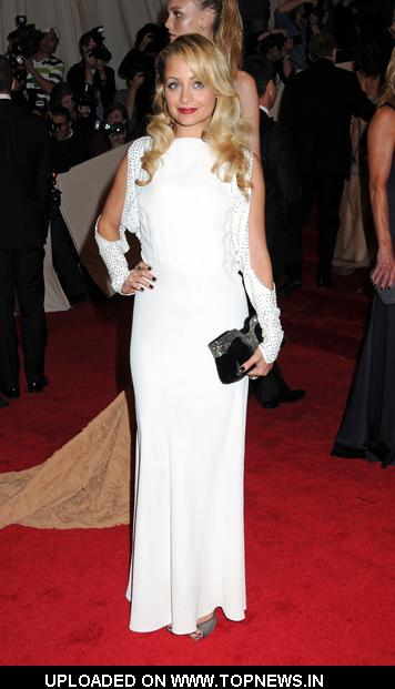 "Nicole Richie at ""Alexander McQueen: Savage Beauty"" Costume Institute Gala at the Metropolitan Museum of Art - Arrivals"