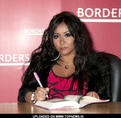 "Nicole ""Snooki"" Polizzi ""A Shore Thing"" Book Signing at Borders in New York City on January 10, 2011"