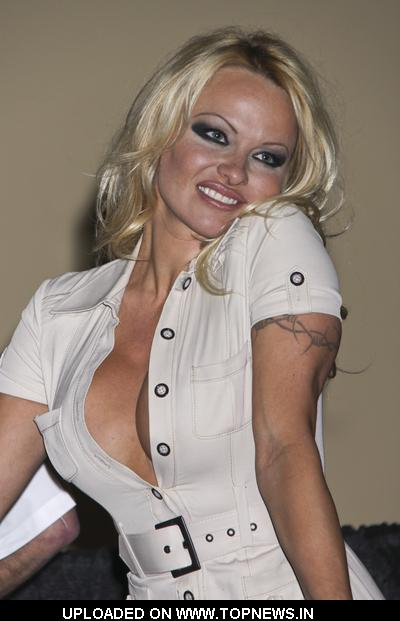 Pamela Anderson at Kruse International's 35th Annual Las Vegas Fall Collector Car Auction - Arrivals