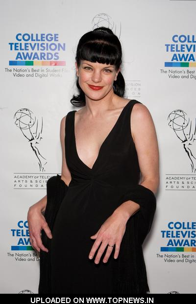 http://www.topnews.in/files/images/PauleyPerrette3.jpg
