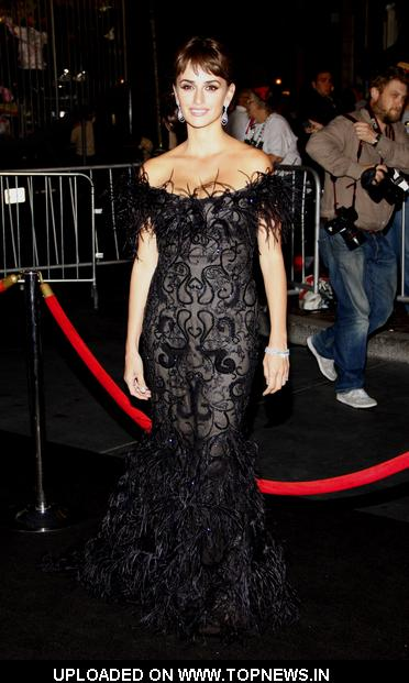 "Penelope Cruz at ""Pirates Of The Caribbean: On Stranger Tides"" World Premiere - Arrivals"