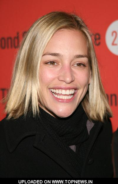 "Piper Perabo at ""Becky Shaw"" Opening Night - Arrivals"