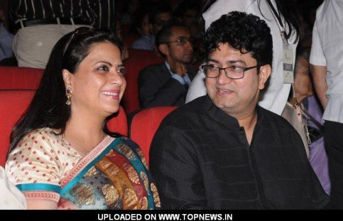 Pratibha Advani at Kailash kher performance in Delhi