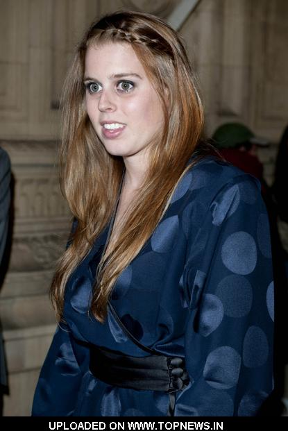 Princess Beatrice of York at Teenage Cancer Trust 2009 Concert - Day 3 - Arrivals