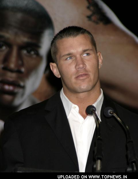 Cartelera WCC New Year Mosh (5/2/2012) Randy-Orton4