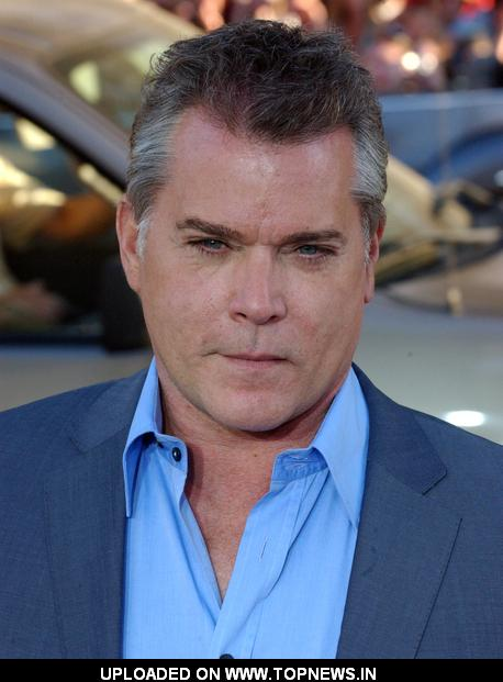 Ray Liotta - Wallpaper Gallery