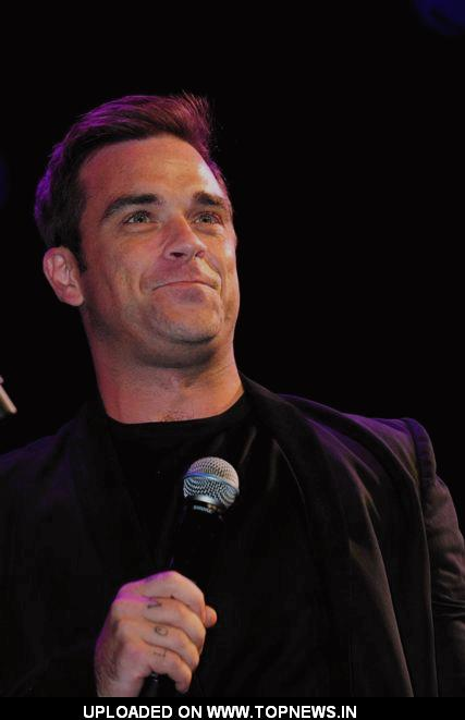 Robbie Williams switches on the Blackpool illuminations