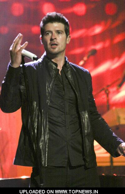Robin Thicke  at the Pearl Theater in Las Vegas - May 1, 2009