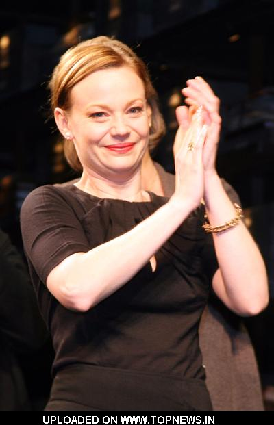 "Samantha Mathis at   ""33 Variations"" Curtain Call"