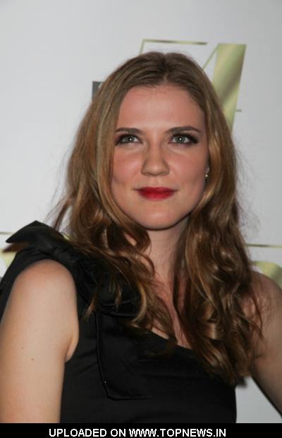 Sara Canning - Images Gallery