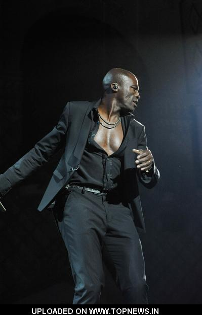 Seal in Concert at Le Grand Rex in Paris