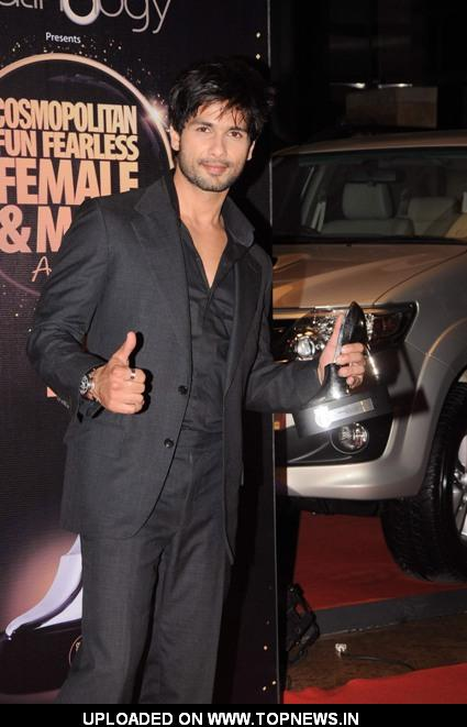 Shahid Kapoor at Cosmopolitan Fun Fearless Awards 2012