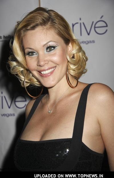 hot and sexy shanna moakler, hot shanna moakler in bikini, hot shanna moakler wallpapers and photos, hot shanna moakler boobs/breasts