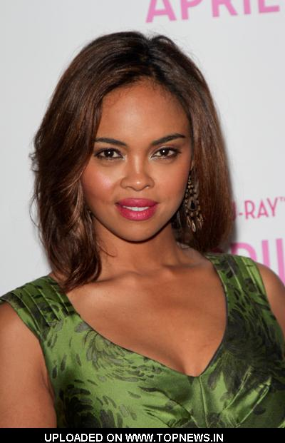 Sharon Leal - Wallpaper Gallery