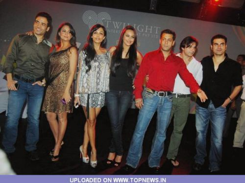 Tusshar Kapoor at Website launch of Fridaymoviez.com