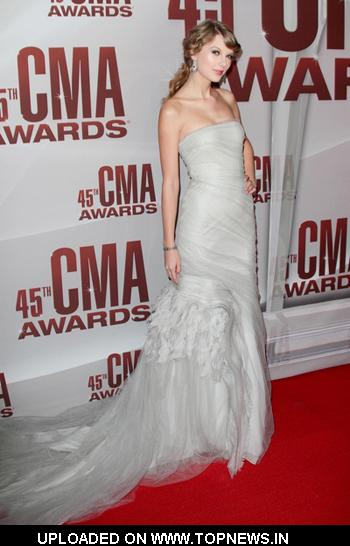 Taylor Swift at CMA Awards 2011