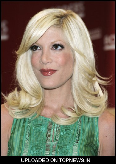 "Tori Spelling's ""Mommywood"" Book Signing at Borders in New York on April 17, 2009"