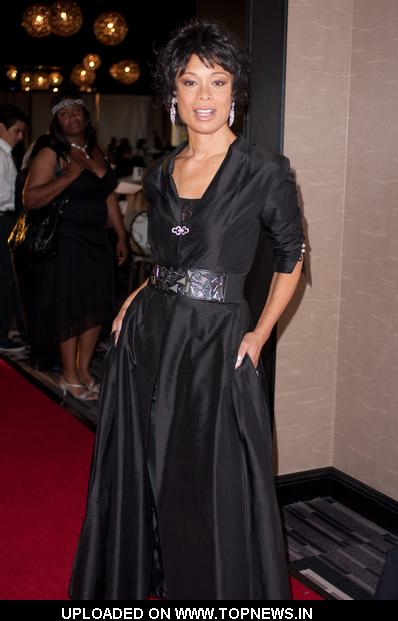 Valarie Pettiford at 10th Annual Hands for Hope Anniversary Gala - Arrivals