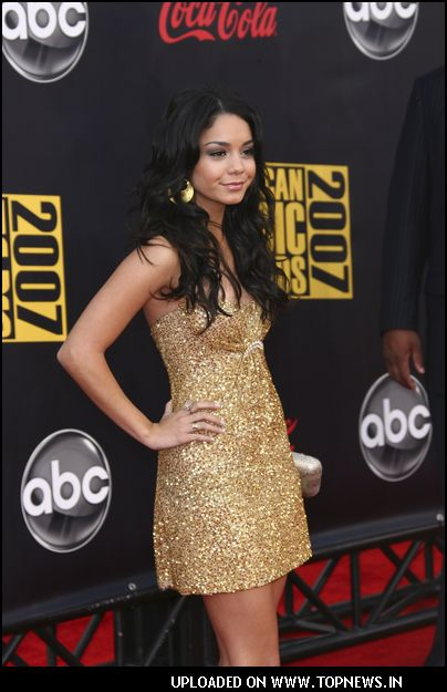 Vanessa Hudgens at 2007 American Music Awards