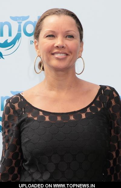"Vanessa Williams at ""Dolphin Tale"" Los Angeles Premiere - Arrivals"