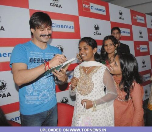 Vivek Oberoi Birthday Celebrations With Cancer Kids