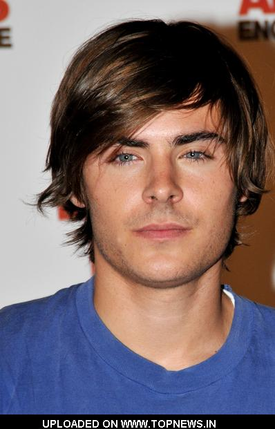 zac efron 17 again clothes. Zac Efron at quot;17 Againquot; Paris