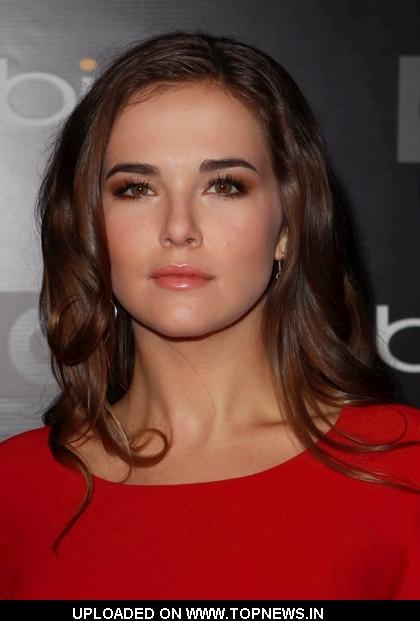 Zoey Deutch - Wallpaper Actress
