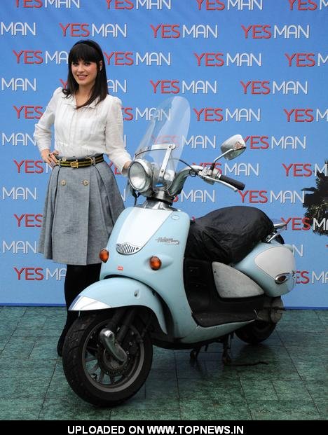 "Zooey Deschanel at ""Yes Man"" - Rome Photocall"
