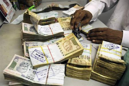 India's forex reserves soar to $303.67 bn