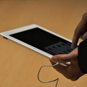 Apple claims selling 3 million new iPad tablets