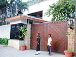 Amitabh+bachchan+house+jalsa+photos