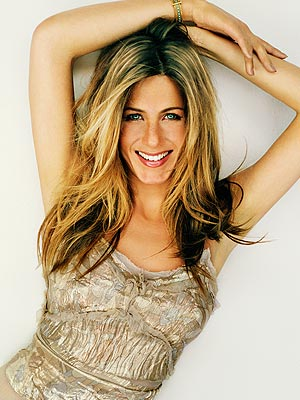 Jennifer Aniston, Gerard Butler catch up after wrapping 'The Bounty' |
