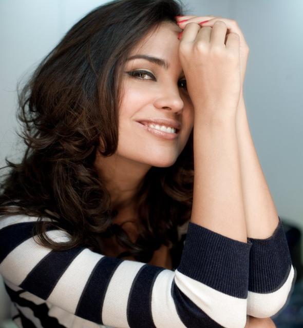 lara dutta998 - Top 10 Bollywood Actress (My Opinion)