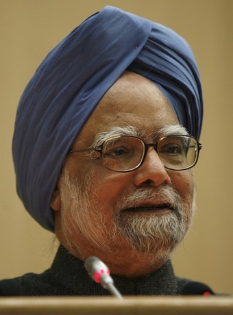 Manmohan Singh's flight to Copenhagen delayed by two hours