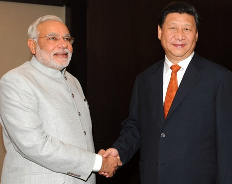 PM Modi welcomes Chinese President in Ahmedabad