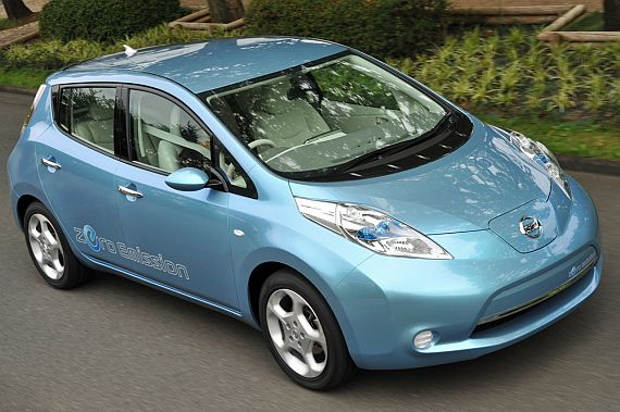 Nissan to sell Leaf electric car for under 30,000 Euros