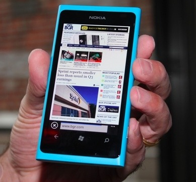 Nokia, Microsoft may launch Lumia 800 on Valentines Day