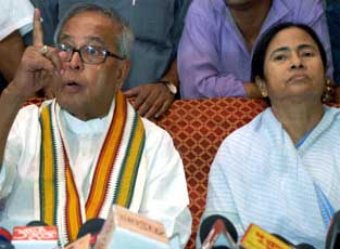 Pranab Mukherjee, Mamta Banerjee jointly criticise left parties