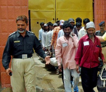 100 Indian fishermen released from Pakistani jails