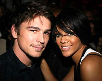 Who is rhianna dating