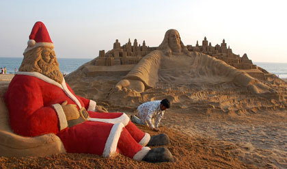 25 feet Santa Claus in Puri