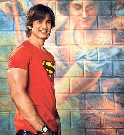 Shahid returns as conman in 'Badmaash Company'