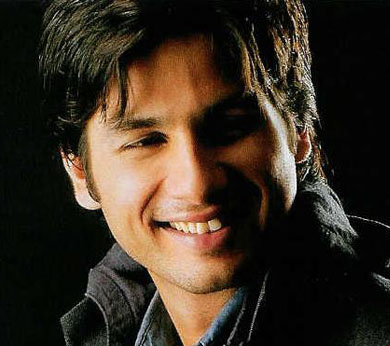 Strugglers will relate to 'Chance Pe Dance': Shahid Kapoor