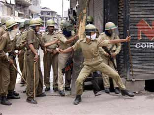 Protests rock Srinagar after Friday prayers