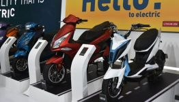 Higher incentives on electric 2-wheelers will shrink price gap with ICE vehicles: ICRA